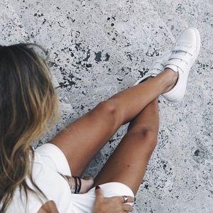 Kenneth Cole White Kingvel Velcro Strap Sneakers